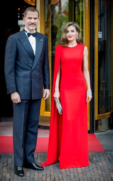 Letizia's red long dress